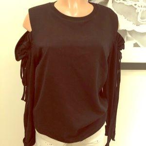 Open shoulder sweatshirt with bow tie siding